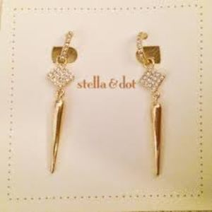 Bianca Earrings - Gold (Retail: $39)